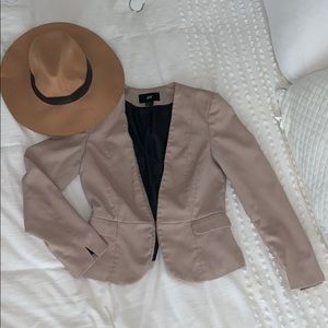 Suit blazer in blush with button and pockets